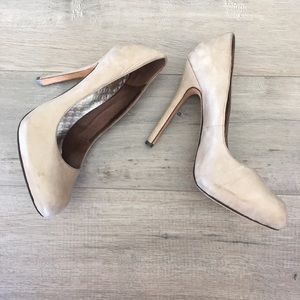 DOLCE VITA ~ distressed gray almond toe heel